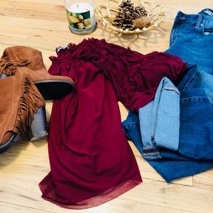 • RED/BURGUNDY CHARLOTTE RUSSE TOP•